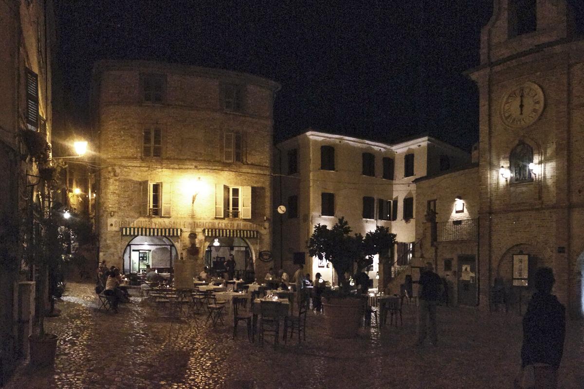 Grottammare, lo splendido borgo che domina l'Adriatico