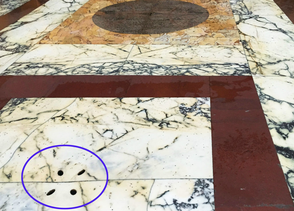 fori di scolo Pantheon