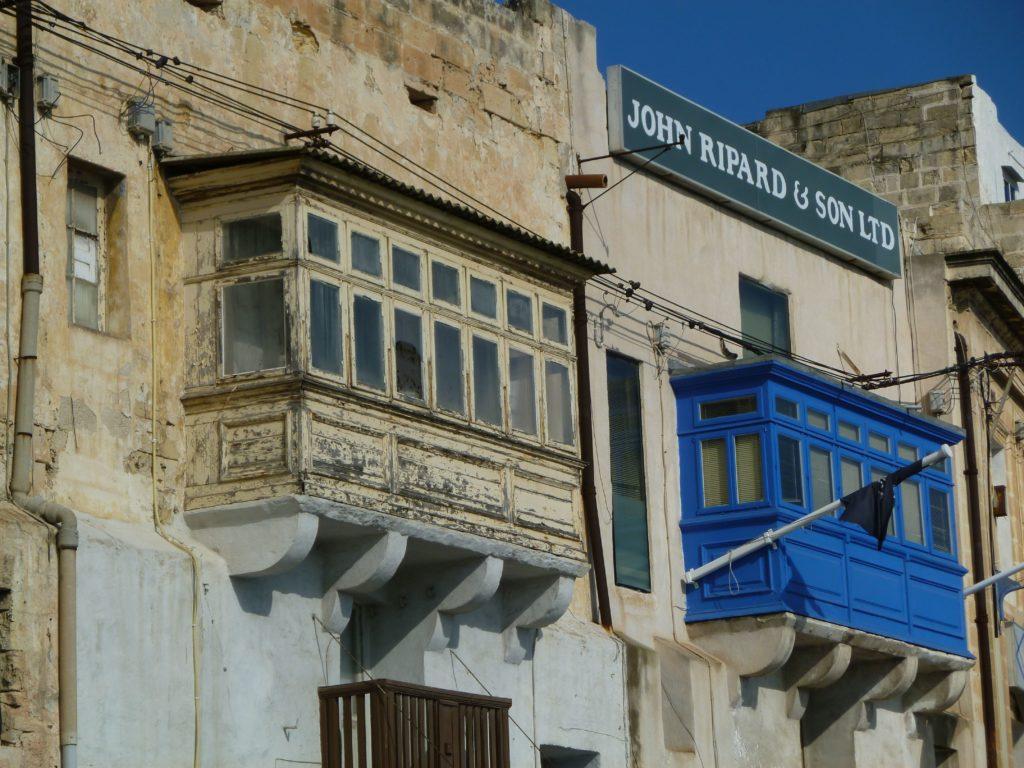 bow window a La Valletta