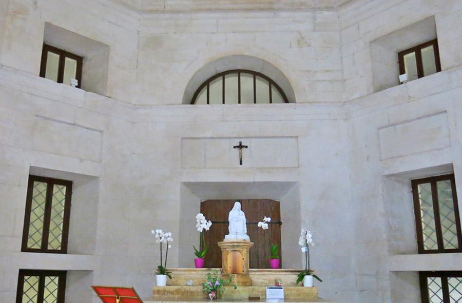 Tempio di Valadier, interno