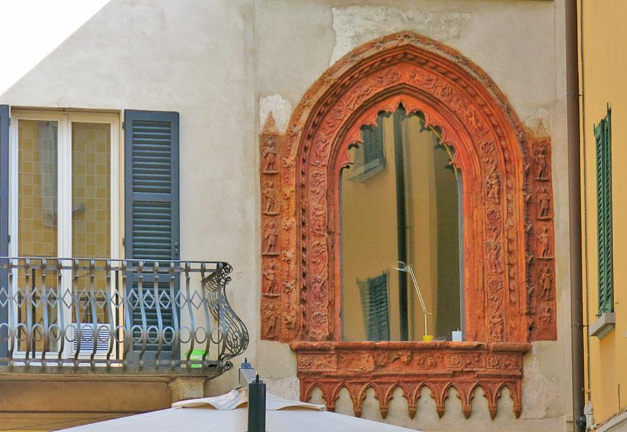La finestra Perabò a Varese