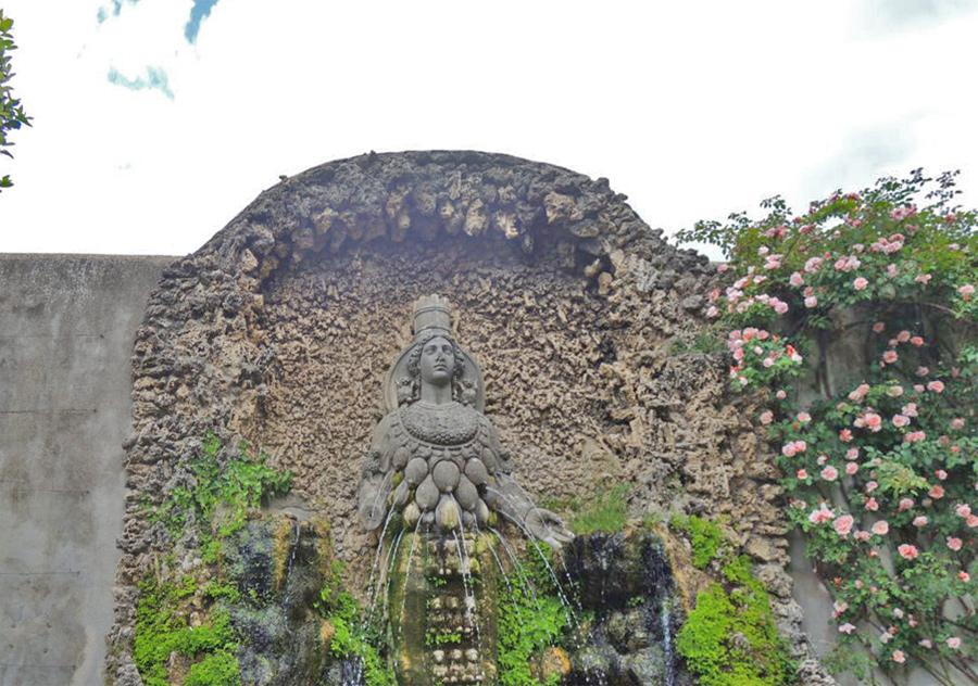 La fontana della Natura o dell'Abbondanza