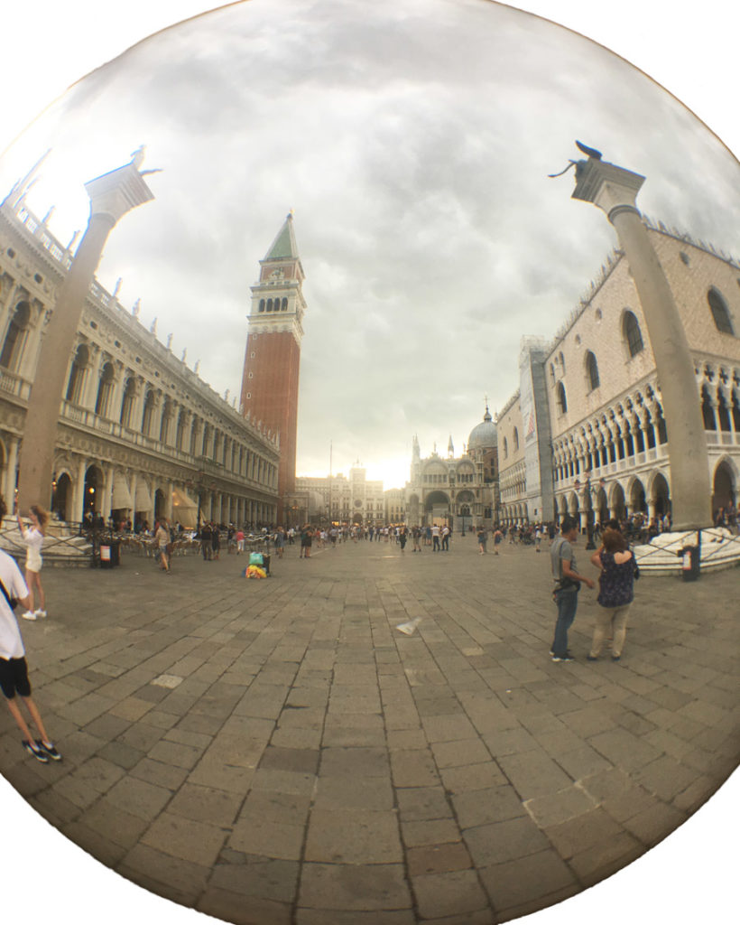 Piazza San Marco Venezia in un giorno