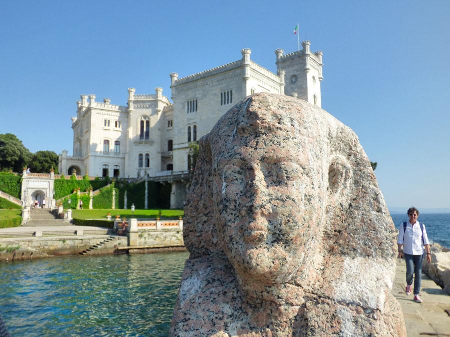 Castello Miramare e la sfinge Trieste