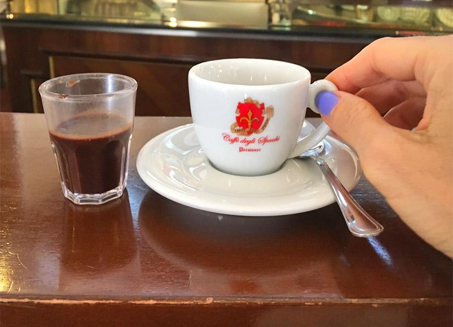 Locali storici d'Italia Caffè degli Specchi